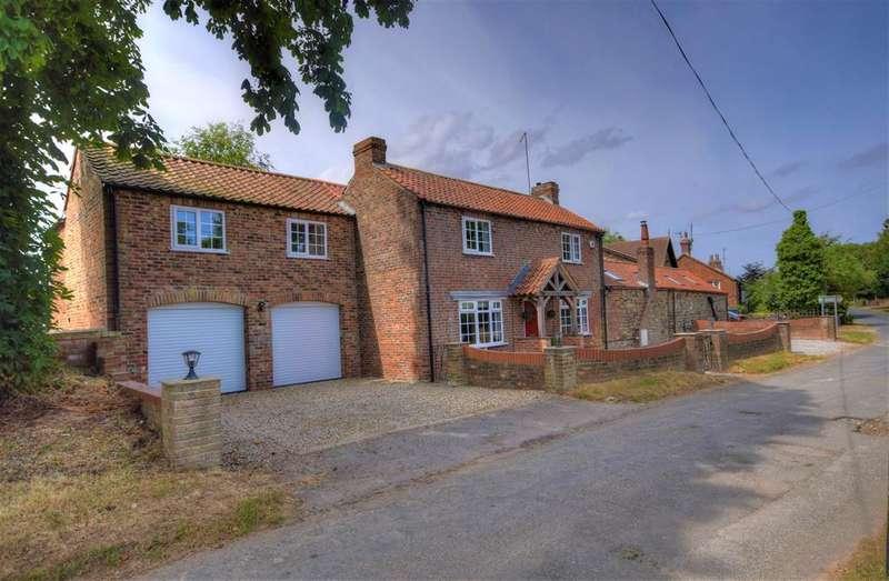 4 Bedrooms Detached House for sale in Fraisthorpe, Bridlington, YO15 3QT