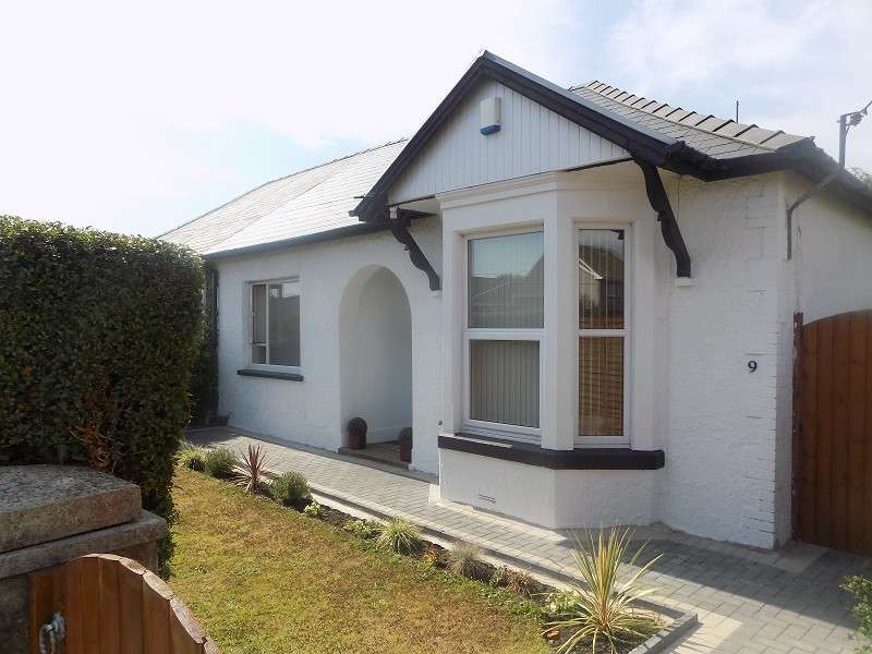 2 Bedrooms Semi Detached Bungalow for sale in Meadow Street, North Cornelly, Bridgend. CF33 4LL