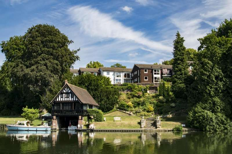 2 Bedrooms Flat for sale in Cariad Court, Goring on Thames, RG8