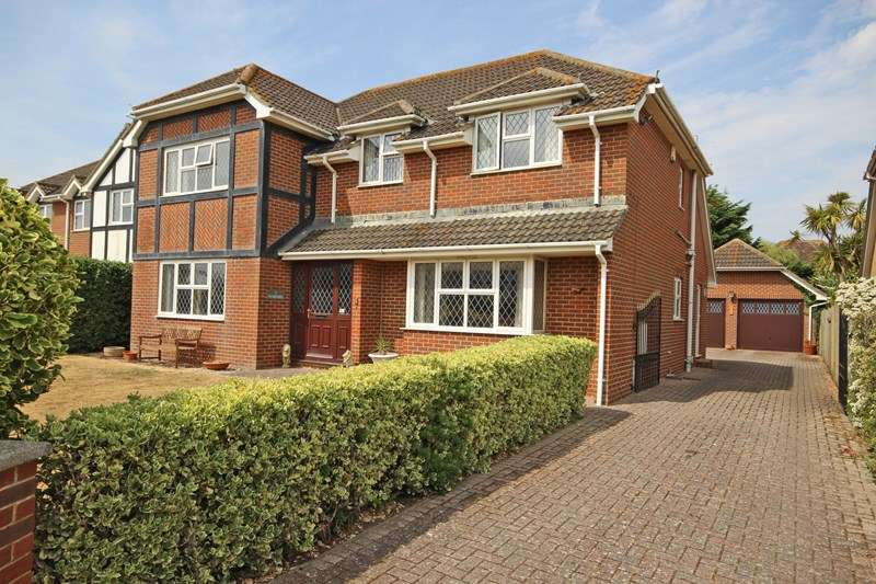4 Bedrooms Detached House for sale in Sandmartin Close, Barton On Sea, New Milton