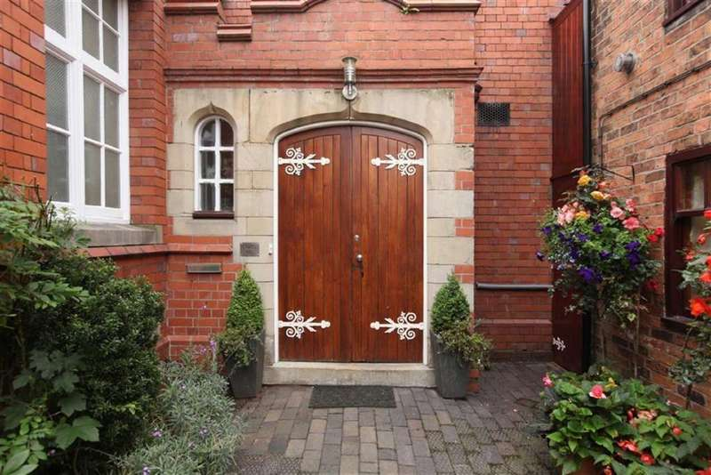 4 Bedrooms Town House for sale in Welsh Row, Nantwich, Cheshire