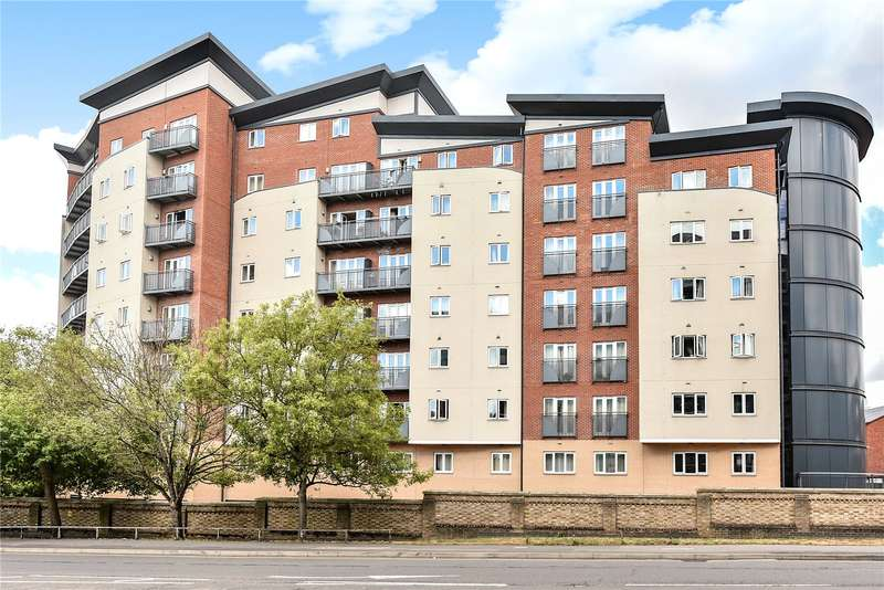 1 Bedroom Apartment Flat for sale in Aspects Court, Slough, Berkshire, SL1