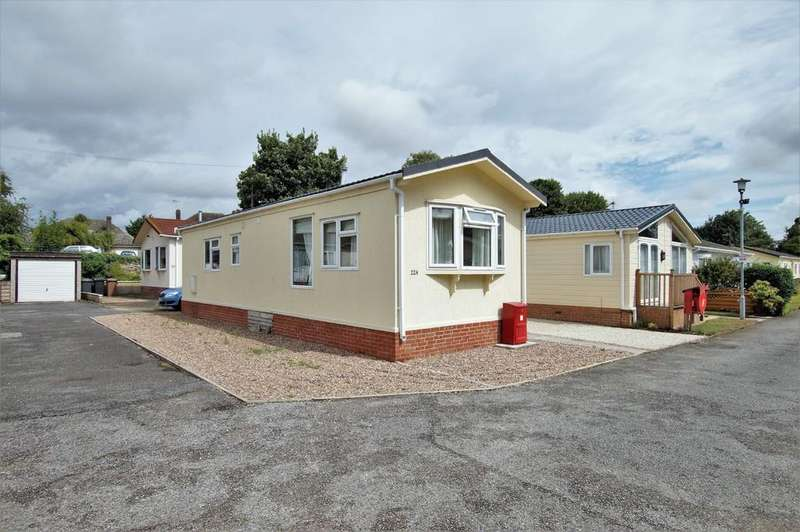 2 Bedrooms Park Home Mobile Home for sale in Stone Valley Court, Waddington