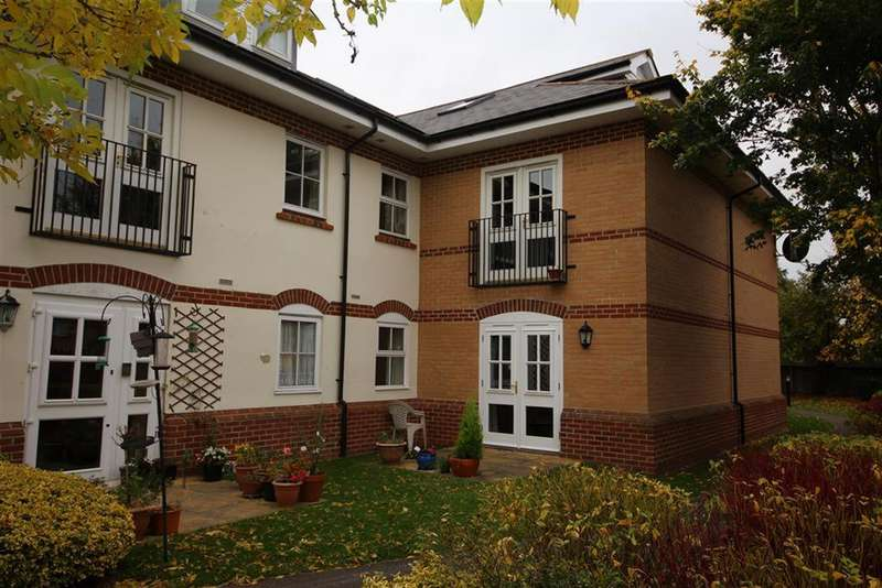 1 Bedroom Flat for sale in 4 Whitebeam House