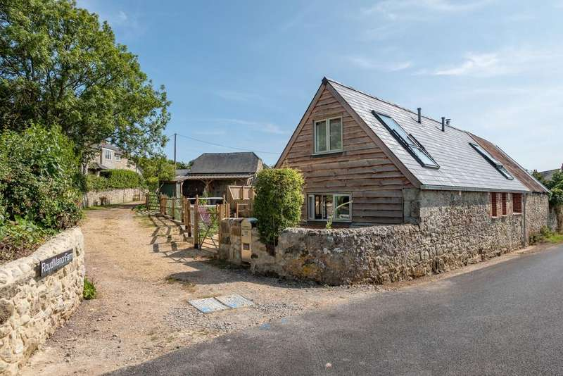 2 Bedrooms Barn Conversion Character Property for sale in Roud, Ventnor