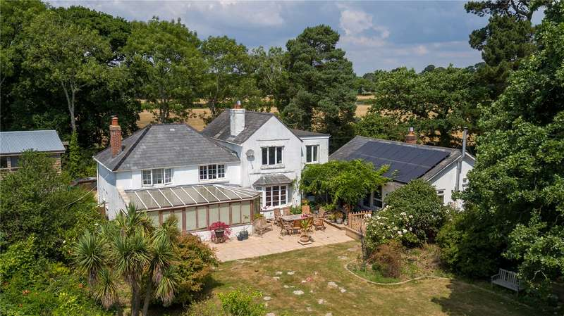 5 Bedrooms Equestrian Facility Character Property for sale in Vaggs Lane, Hordle, Lymington, Hampshire, SO41
