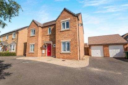 4 Bedrooms Detached House for sale in Libertas Drive, Cardea, Peterborough, Cambridgeshire