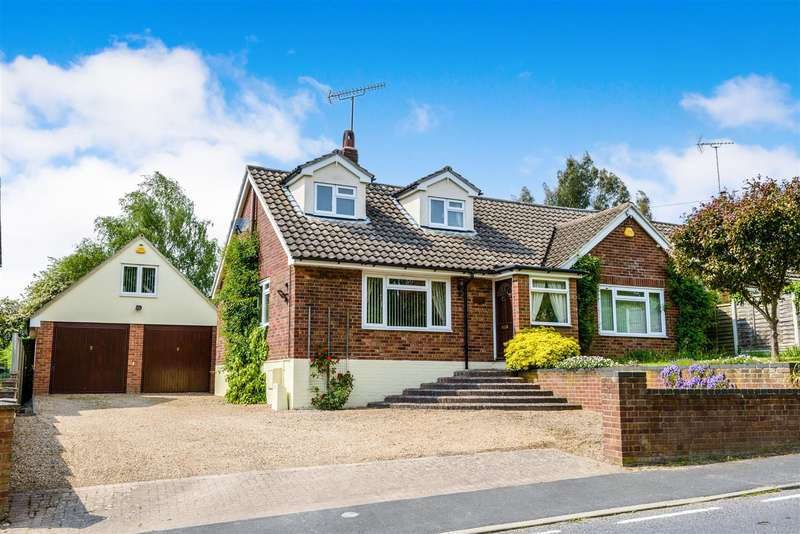 3 Bedrooms Detached House for sale in Halstead Road, Gosfield