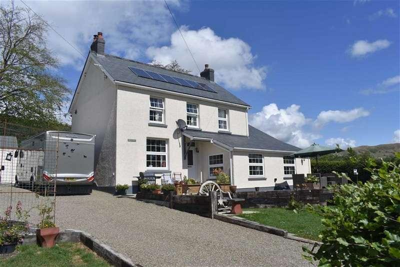 3 Bedrooms Detached House for sale in Ffarmers, Llanwrda