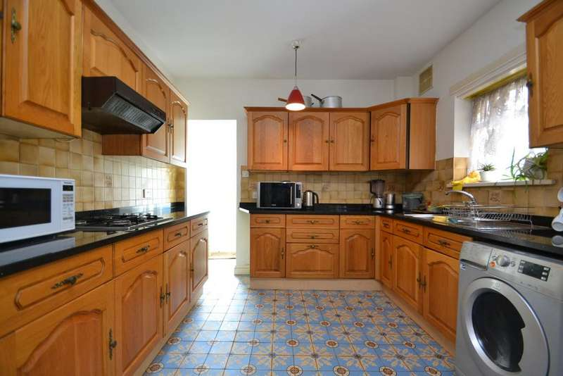 4 Bedrooms Terraced House for sale in Ermine Road Lewisham SE13