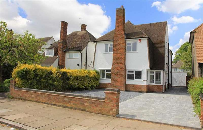 4 Bedrooms Detached House for sale in Thurnview Road, Evington, Leicester