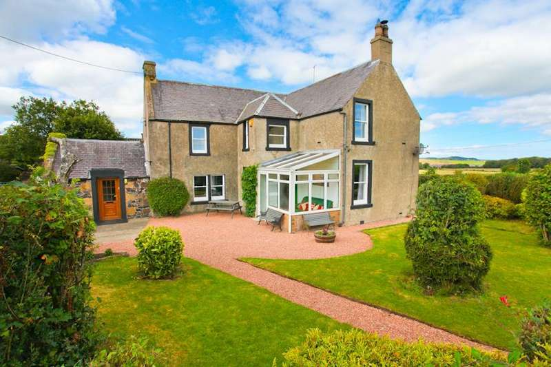4 Bedrooms Detached House for sale in Harestanes Farmhouse, Kinglassie