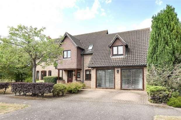 5 Bedrooms Detached House for sale in Lavenham Drive, Biddenham, Bedford