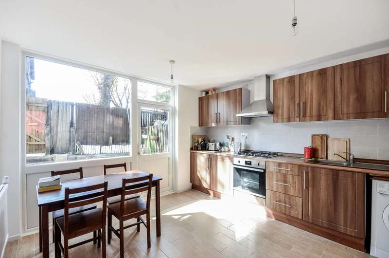 5 Bedrooms Terraced House for sale in Heaton Road, Peckham Rye, SE15