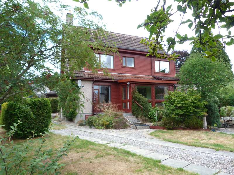 3 Bedrooms Detached House for sale in High Street, Kingussie, PH21 1HS