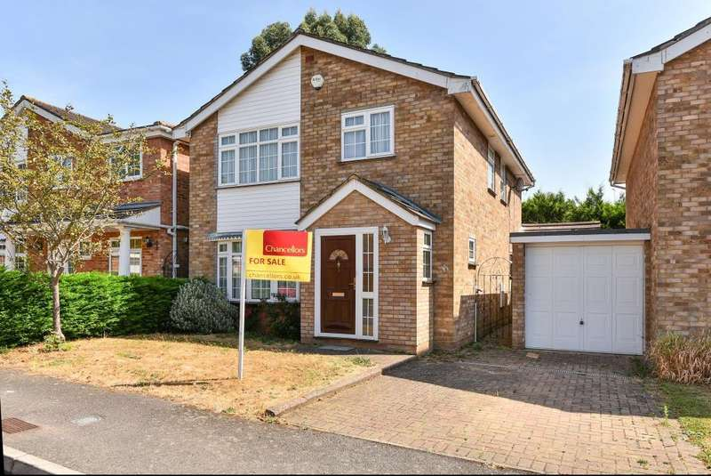 4 Bedrooms Detached House for sale in Stafford Close, Maidenhead, SL6