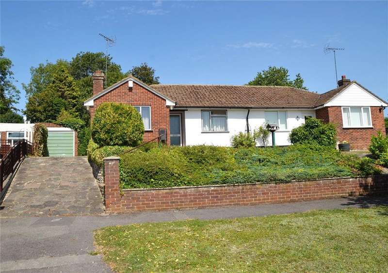 2 Bedrooms Semi Detached Bungalow for sale in Rissington Close, Tilehurst, Reading, Berkshire, RG31