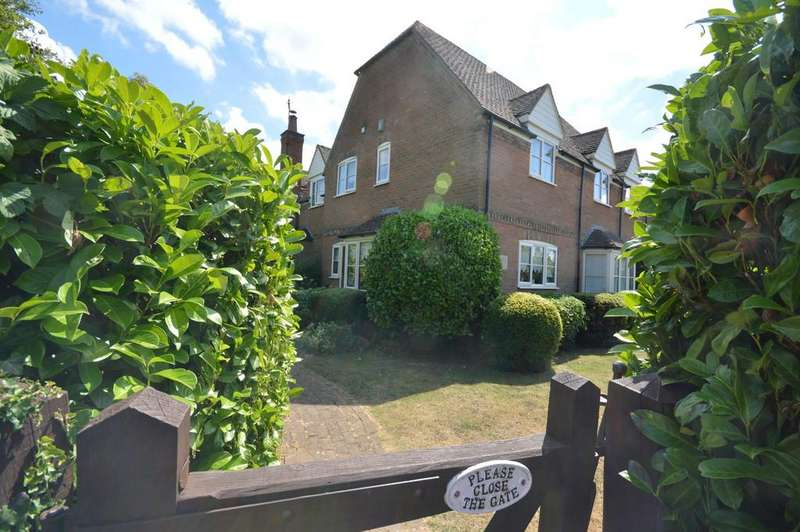 4 Bedrooms Detached House for sale in Raunds Road, Chelveston