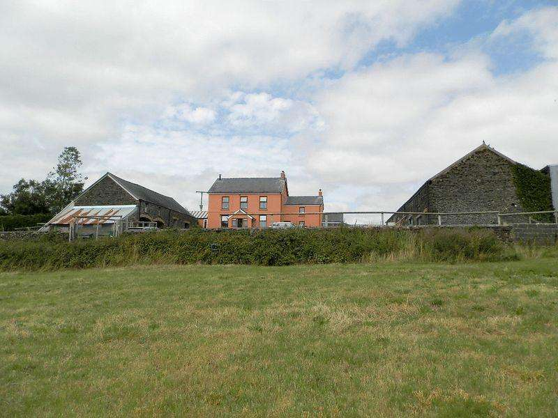 4 Bedrooms Detached House for sale in St Clears, Carmarthen