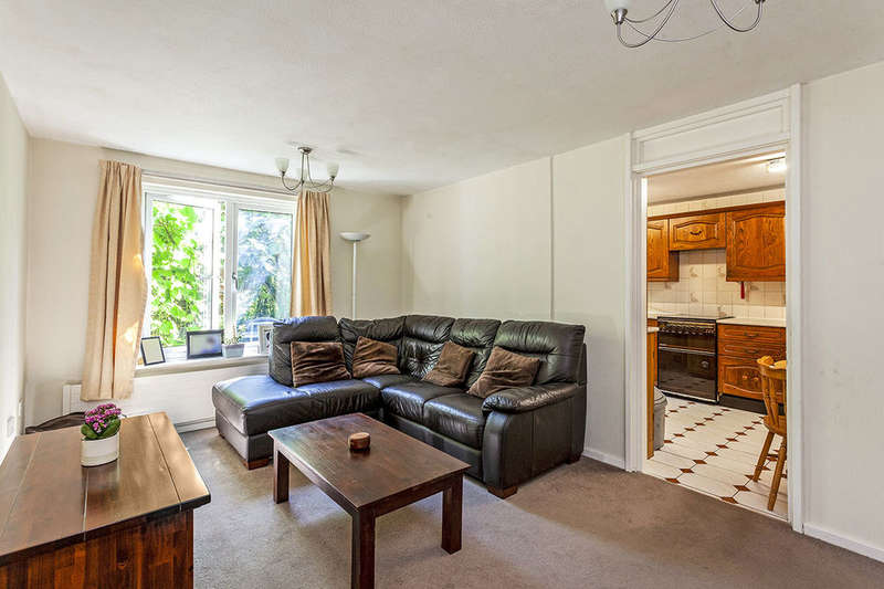 3 Bedrooms Property for sale in Swallow Close, New Cross, London, SE14