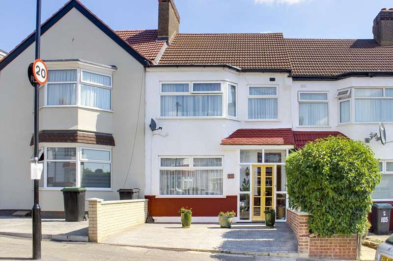 3 Bedrooms Property for sale in Norfolk Avenue, Palmers Green, London, N13