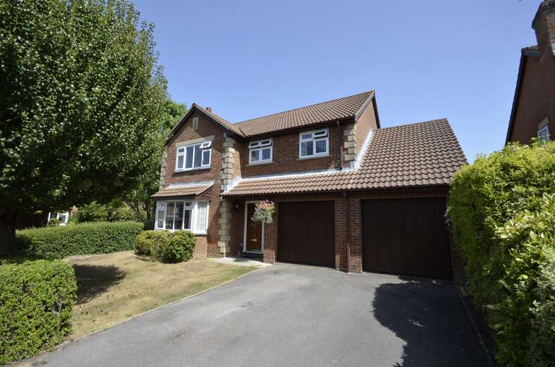 4 Bedrooms Detached House for sale in Holly Gardens, West End, Southampton, SO30