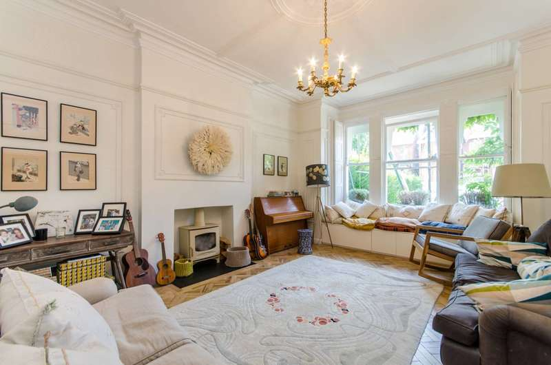 4 Bedrooms Flat for sale in Walm Lane, Mapesbury Estate, NW2
