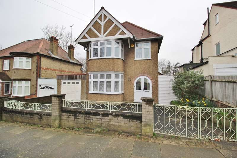 3 Bedrooms Detached House for sale in Beaconsfield Road, London, London, N11
