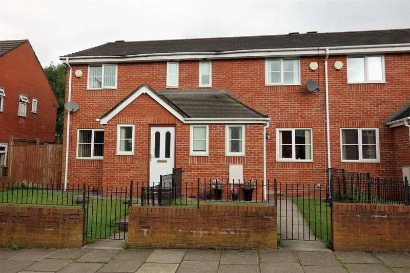 3 Bedrooms Semi Detached House for sale in Holme Avenue, Bury
