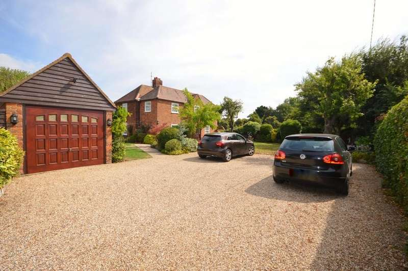 4 Bedrooms Detached House for sale in Elmstead Road, Elmstead