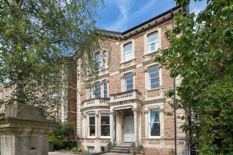 3 Bedrooms Flat for sale in Pembroke Road, Clifton, Bristol, BS8