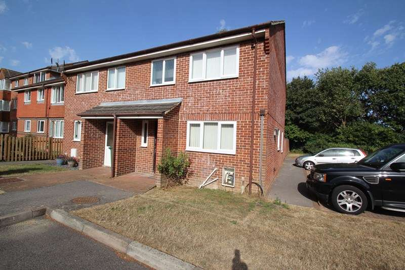 3 Bedrooms Semi Detached House for sale in Butser Walk, Fareham