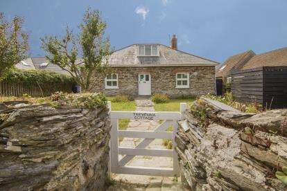 3 Bedrooms Bungalow for sale in St Merryn, Padstow, Cornwall
