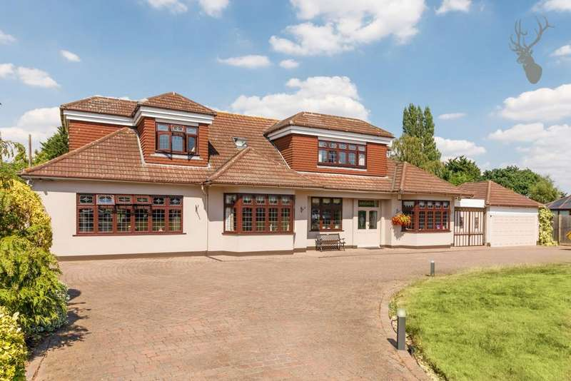 5 Bedrooms House for sale in Oak Hill Road, Stapleford Abbotts, RM4