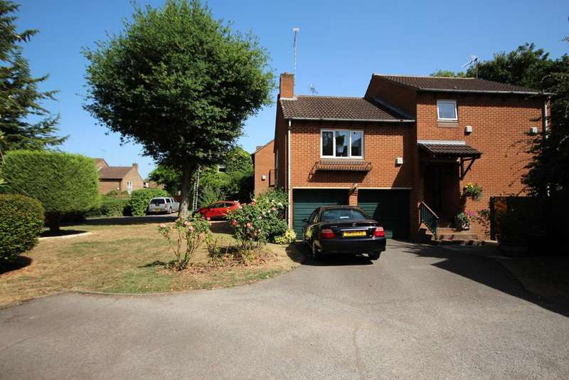3 Bedrooms Detached House for sale in Oldacres, Maidenhead