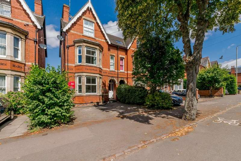 4 Bedrooms Semi Detached House for sale in Coventry Road, Market Harborough, Leicestershire