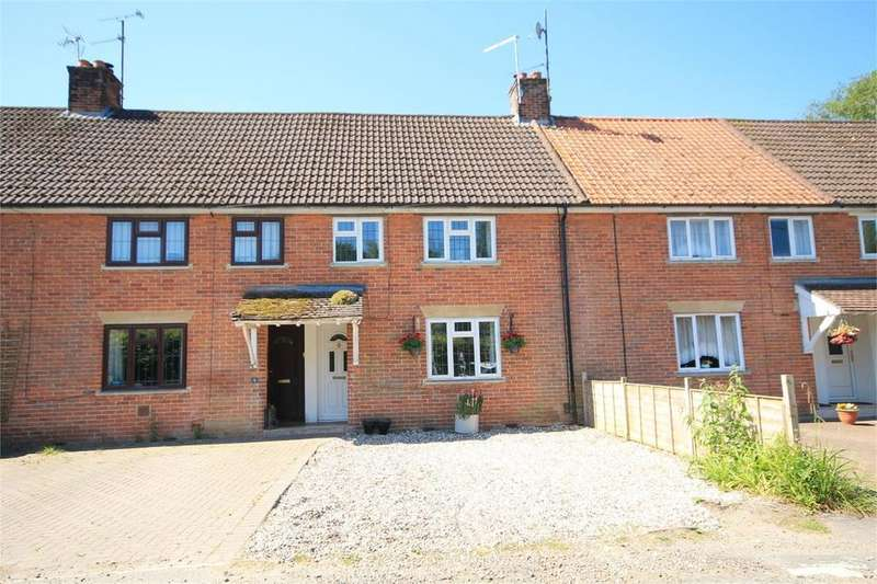 3 Bedrooms Terraced House for sale in Newbury Road, Eastbury, Hungerford, RG17