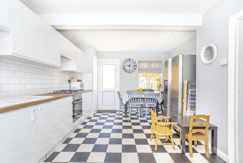 2 Bedrooms Terraced House for sale in Stephens Road, Brighton
