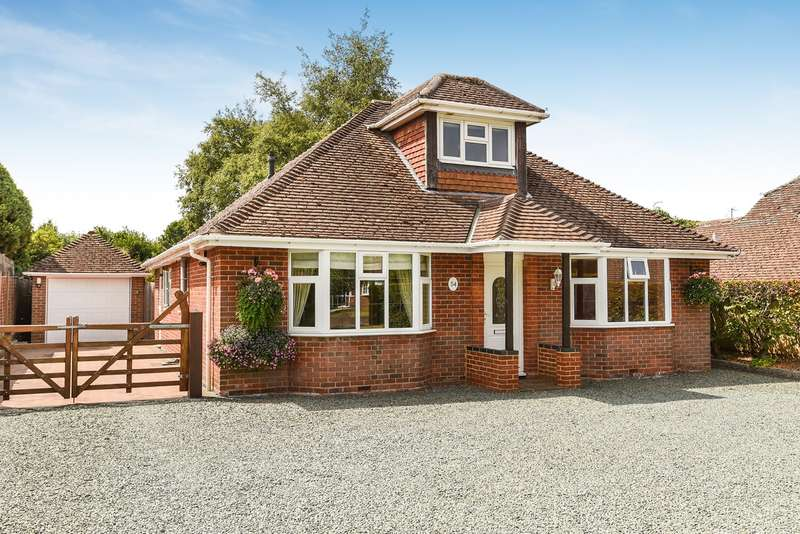 3 Bedrooms Detached Bungalow for sale in Homesteads Road, Kempshott, Basingstoke, RG22
