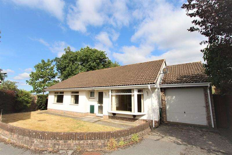3 Bedrooms Detached Bungalow for sale in Nunney Close, Keynsham, Bristol