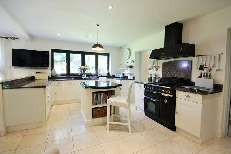 4 Bedrooms Detached House for sale in Park Avenue, Hutton, Brentwood, CM13