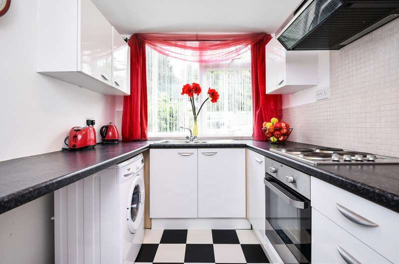 1 Bedroom Flat for sale in West Park, London