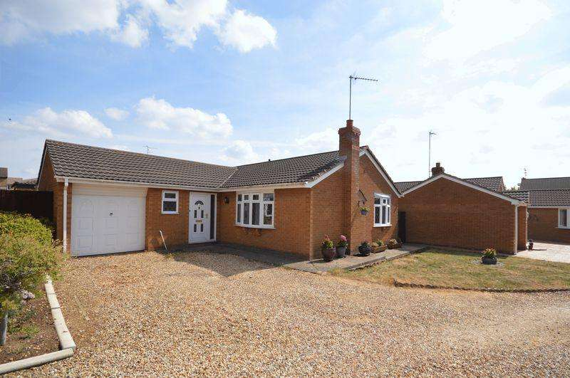 3 Bedrooms Detached Bungalow for sale in Water Meadow Close, Great Oakley
