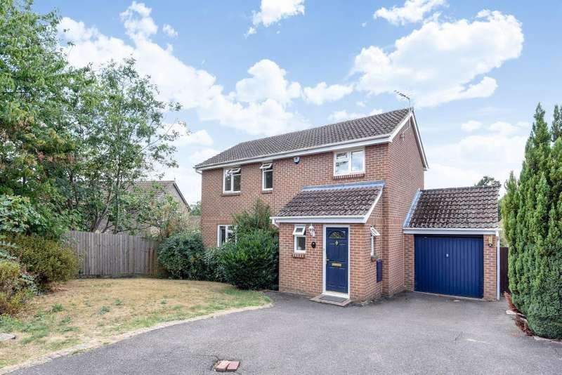 4 Bedrooms Detached House for sale in Dove Close, Lower Earley, RG6