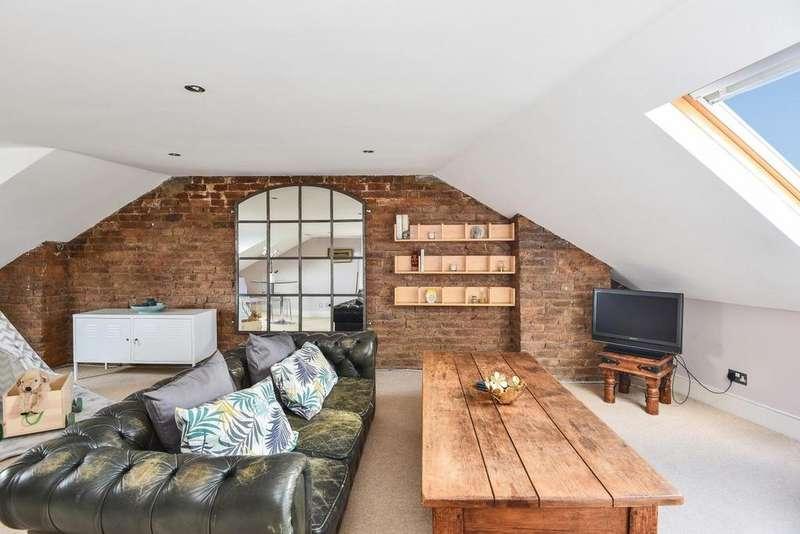 3 Bedrooms Flat for sale in St. Julians Farm Road, West Norwood