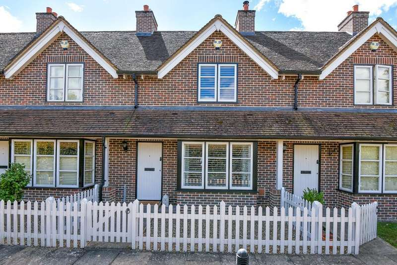 2 Bedrooms House for sale in Toll Gate Cottages, Hurley, SL6