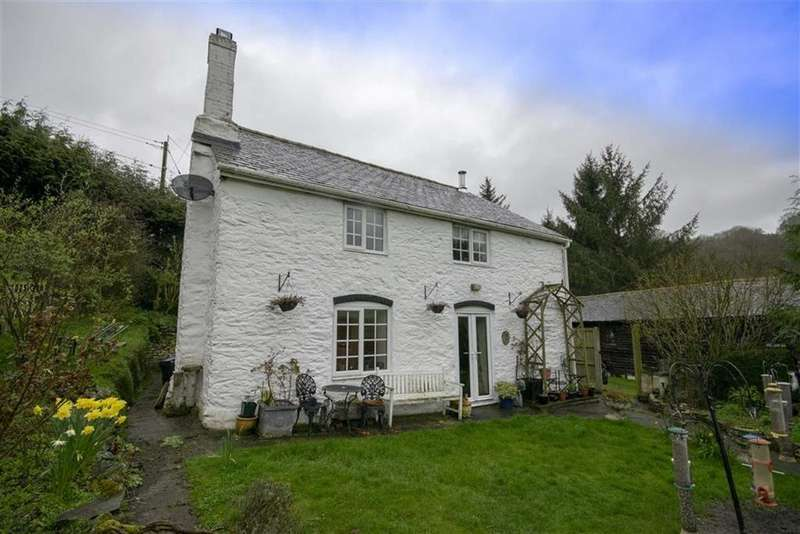3 Bedrooms Detached House for sale in Llanfyllin