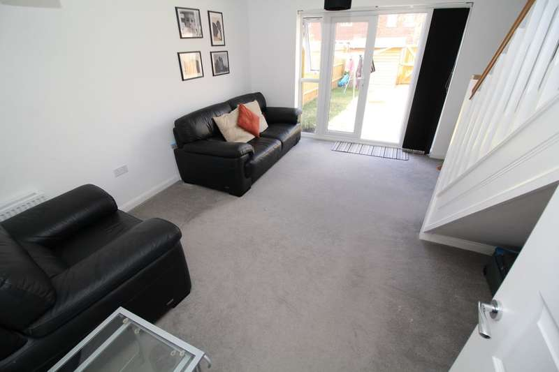 2 Bedrooms Property for sale in Carding Way, Kempston, Bedford, MK42