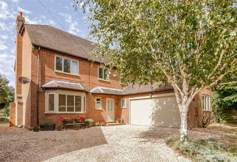 5 Bedrooms Detached House for sale in Up Street, Dummer, Basingstoke, Hampshire
