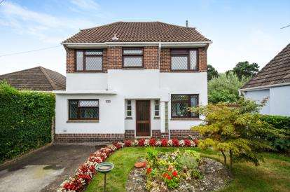 4 Bedrooms Detached House for sale in Redhill, Bournemouth, Dorset
